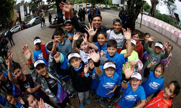 Pipo Barraza realizó clínica deportiva con niños